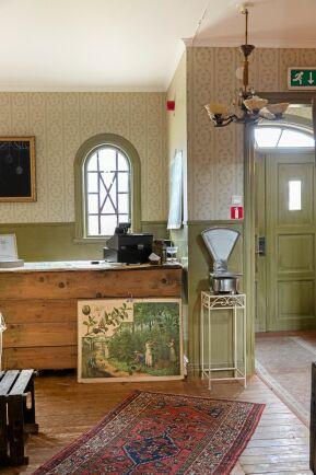 Eftersom hotellet är K-märkt så fick behålla sin originalfärgsättning i grönt vid renoveringen.