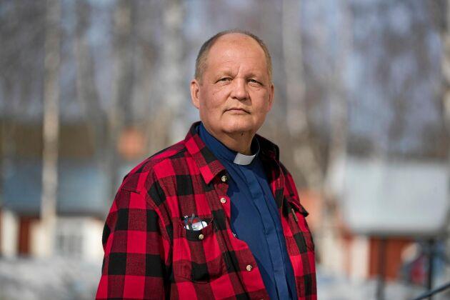 """Kimmo Sulila, kyrkoherde i Råneå församling: """"Vi är ju inga politiker men vi ber att politikerna, för guds skull, ska ändra det här beslutet."""""""