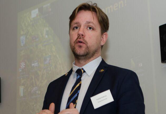EU-parlamentarikern Fredrick Federley, C är kritisk till regeringens jordbrukspolitiska ledarskap.