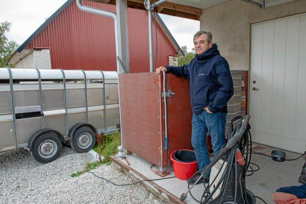 Här slaktade Bertil Gabrielsson sina lamm tills Livsmedelsverkets veterinär krävde att hela platsen skulle byggas in i en separat byggnad.