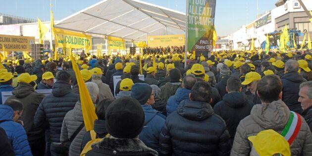 Tiotusen lantbrukare demonstrerade i Italien