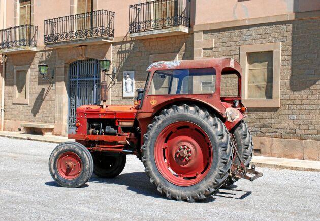 BM:s traktorer kunde köpas med specialtillstånd. Katalanska lantbrukare kan berätta att den svenska traktorn räddade deras skördar.