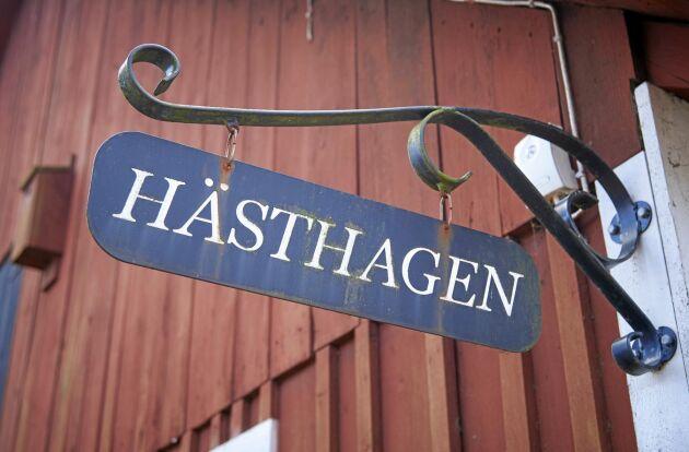 Släktgården Hästhagen där det förr fanns mjölkkor som i dag ersatts av vaktlar.