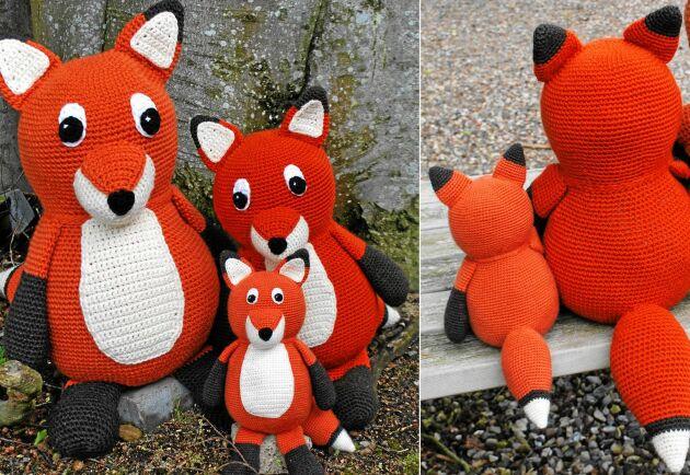 Knubbiga och mjuka rävar virkade i ullgarn.