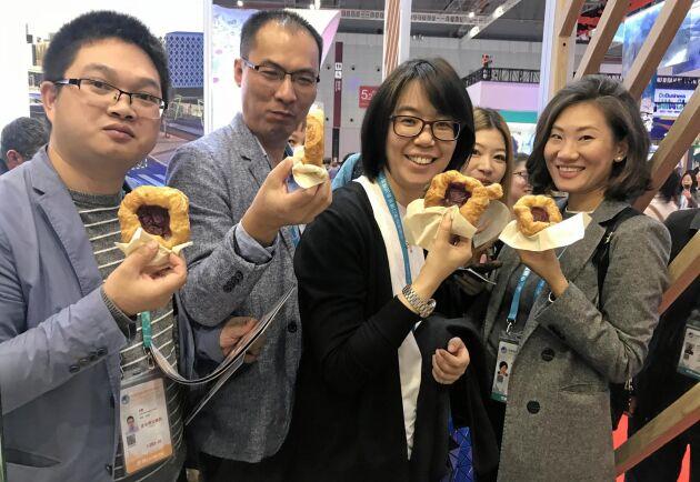 1100 wienerbröd bakades och serverades till kinesiskt affärsfolk.