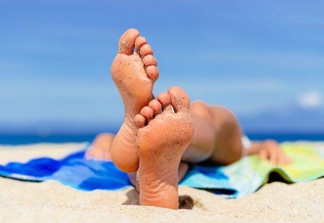 Få fina fötter i sommar – utan fotvårtor.