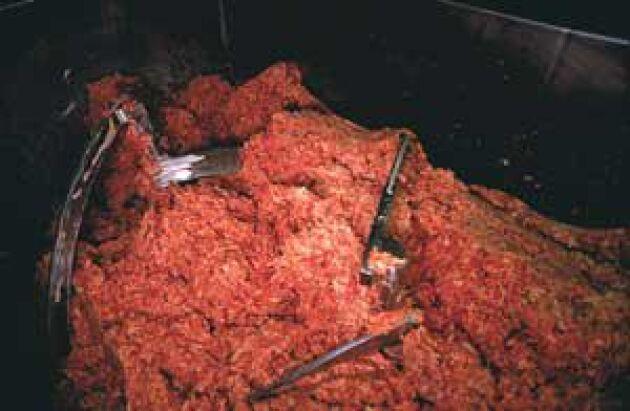 Köttfärsfusket uppmärksammades av SVT:s Uppdrag Granskning i december 2007. Avslöjandet ledde till att försäljningen av köttfärs minskade under en period.