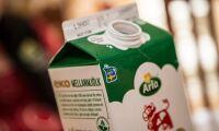 Pressat pris på ekomjölk