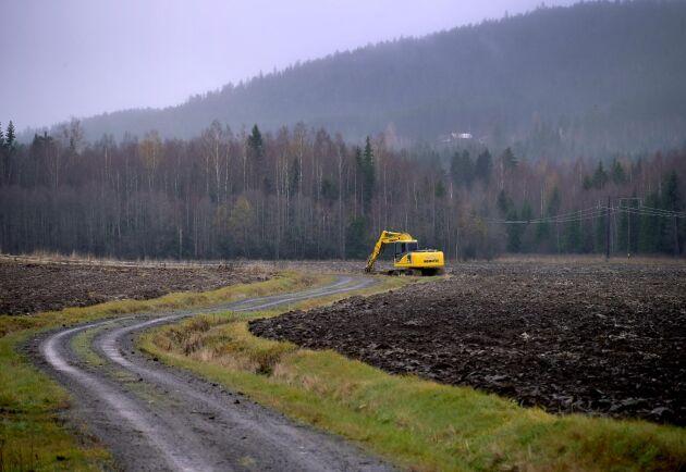 Länsstyrelsernas byråkrati gör det svårt och dyrt att bygga på landsbygden, anser Andreas Habbe.