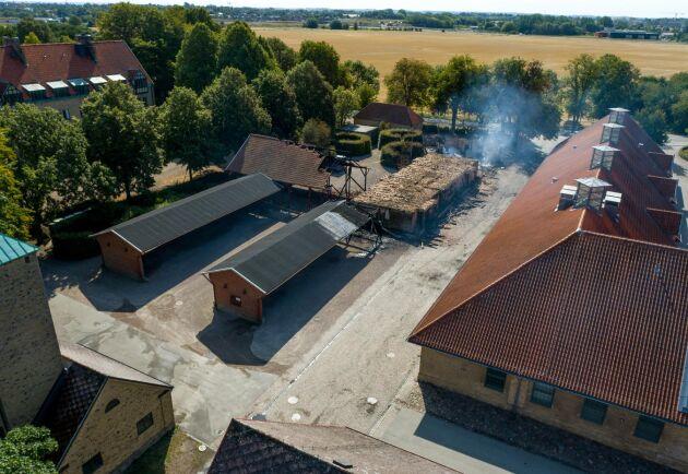 En person är nu anhållen misstänkt för att ha anlagt branden vid SLU i Alnarp tidigt i morse.