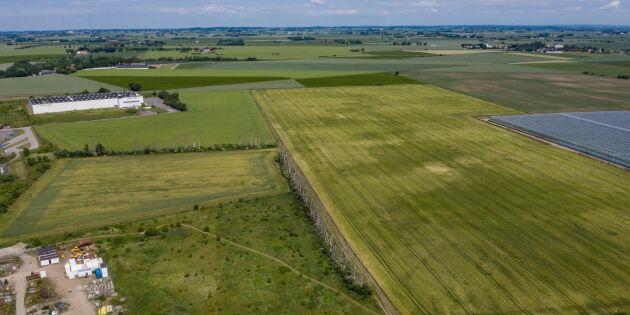 Bygg inte fängelset på åkermark
