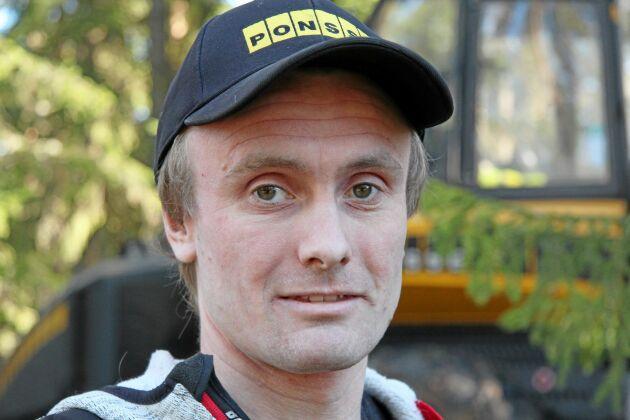 Sebastian Arne, skördarförare på Finnerödja Skogstjänst