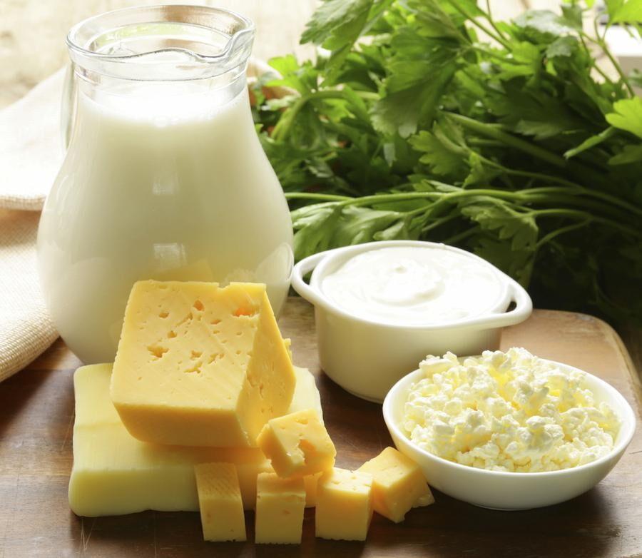 Fet ost, yogurt och grädde är nyttigare än man tror, enligt flera studier.