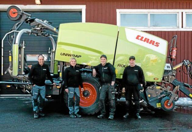 Lars och Gun-Marie Stenlund tillsammans med Johan Stenlund och Peder Magnusson.