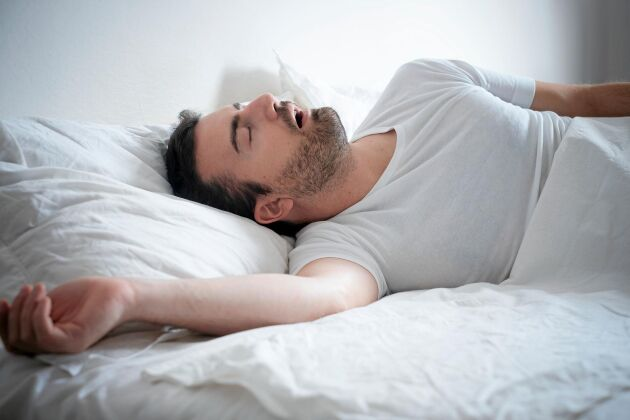 För lite sömn orsakad av exempelvis sömnapné verkar kunna öka risken för demens senare i livet.