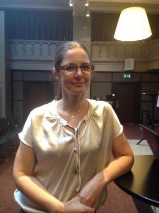 Lena Ström är veterinär med specialitet ögonsjukdomar på häst. Hon forskar och undervisar även inom ämnet på SLU.