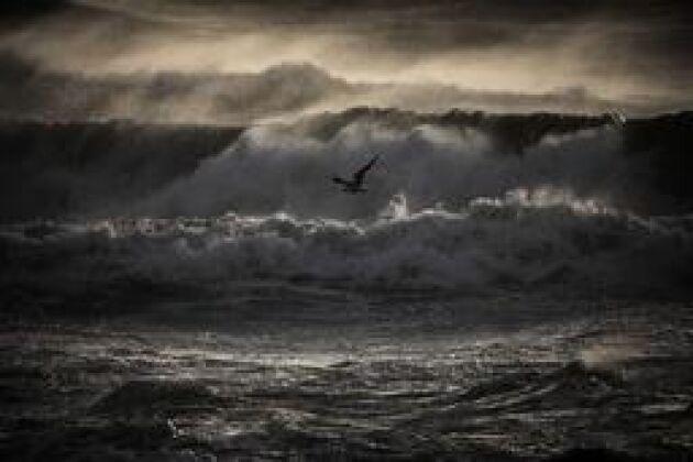 Ta skydd. I dag drar stormen in i söder. Arkivbild.