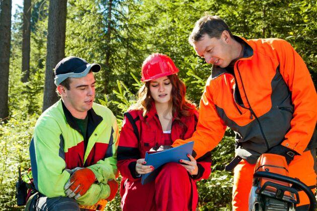 Det pågår ett jämställdhetsarbete inom skogssektorn, bland annat med stöd av Skogsstyrelsen, men det är tydligt att mycket återstår, skriver representanter för nätverket NYKS.