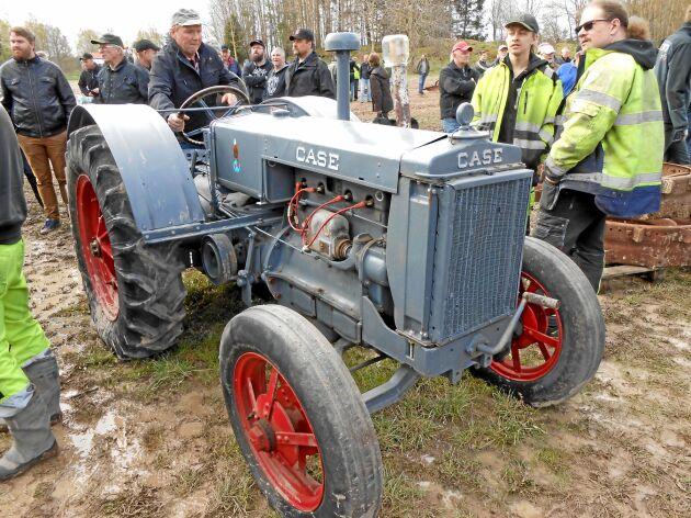En Case tillhörde de tidiga årgångarna bland auktionens traktorer.