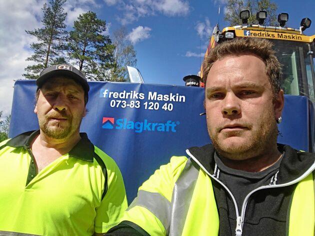 Fredrik Edholm och Anders Leandersson på Fredriks Maskin i Bispgården utanför Hammarstrand är glada över att olyckan inte blev värre än den blev.