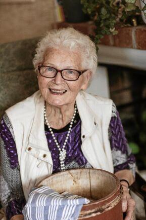 91-åriga Magda Ajax minns bardomens somrar på fäboden, Backbuan, med glädje.