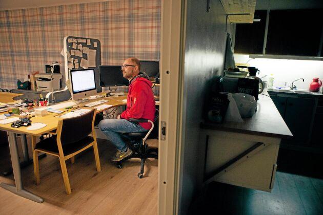 Minkuppfödaren Niclas Pettersson har fått vänta nästan två år innan händelserna från oktober 2017 ledde till rättegång.