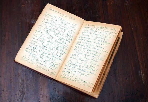 Unikt dokument. Ett uppslag ur en av Astrid Lindgrens 17 krigsdagböcker.