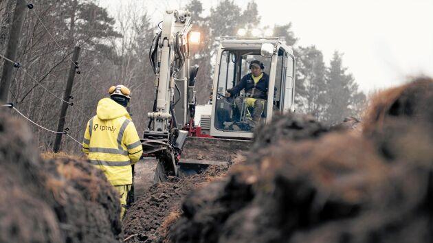 Utbyggnaden av fiberanslutning på landsbygden fortsätter att dra ut på tiden.