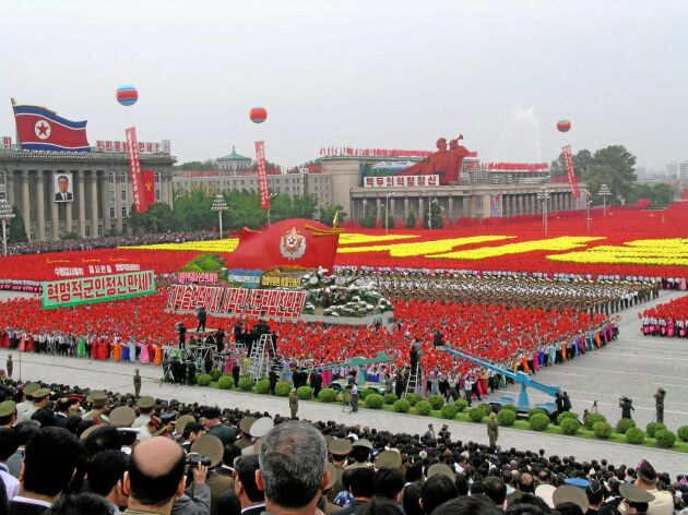 Paraderna som hyllar regimen präglar omvärldens bild av Nordkorea.