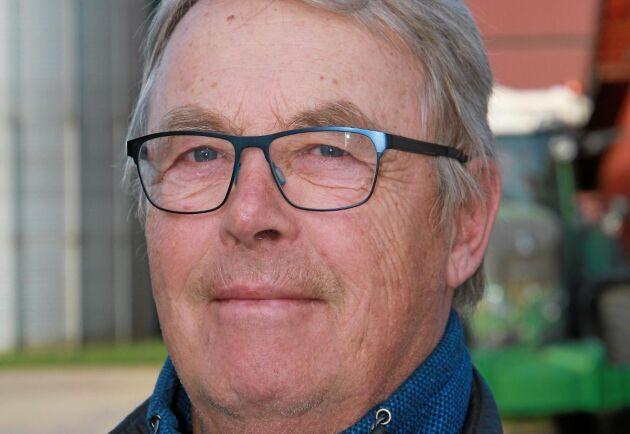 – Vi tror att vi kan dra ned på jordbearbetningen utan att tappa intäkter samtidigt som dieselförbrukningen minskar, säger Lars-Håkan Jonsson.
