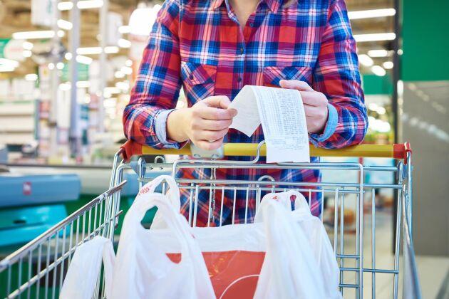 Genom enkla medel går det att spara tusenlappar på matkontot.