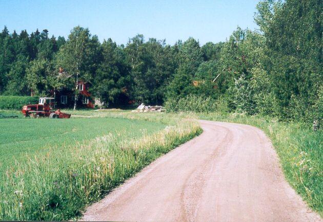 Bättre vägar i hela landet är ett av vallöftena från moderaterna.