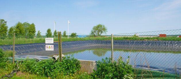 Regnvatten från tak och gårdsplaner renas från kväve och fosfor innan det släpps ut i Mälaren.