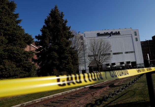 I förra veckan stängde Smithfield världens största produktionsanläggning för griskött i Sioux Falls. Nu har även två andra av företagets anläggningar gått samma öde till mötes.