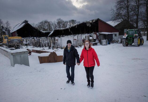 """Anders och Anneli Engström är djupt tacksamma för all hjälp. """"Utan dem hade det gått åt skogen med alltihop"""", säger Anders Engström."""