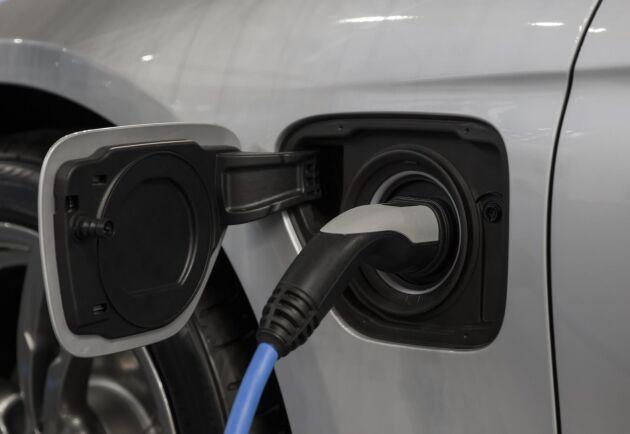 Förslag: Högre totalvikt för el-lastbilar på B-kort.