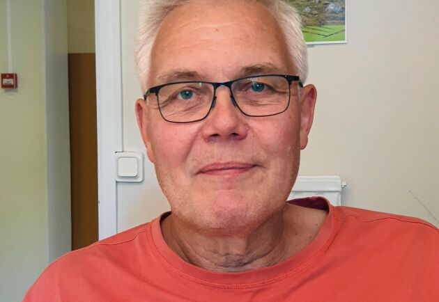 Leif Johansson, ogräsrådgivare på Jordbruksverket, pekar på att sommarens nya fynd av renkavle i Västergötland och Östergötland visar på att ogräset nu sprider sig lokalt i dessa landskap.