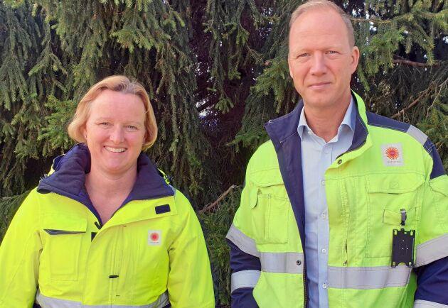 Kristina Lövgren, produktionschef, och Joakim Sveder, platschef, på Stora Enso Gruvöns Sågverk berättar att de under de kommande sex månaderna ska rekrytera 20 personer och fortsätta öka produktionen i den nya CLT-anläggningen.