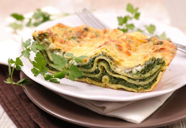 Grönt är skönt! En god och mätande lasagne med kirskål i fyllningen.