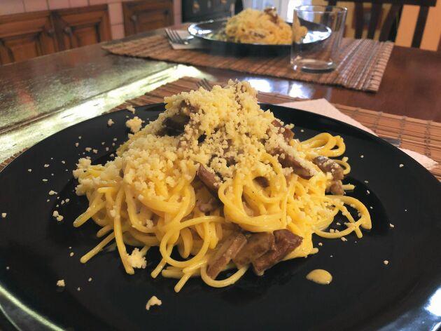 Carbonara är en supergod pastarätt som enkelt kan göras vegetarisk.