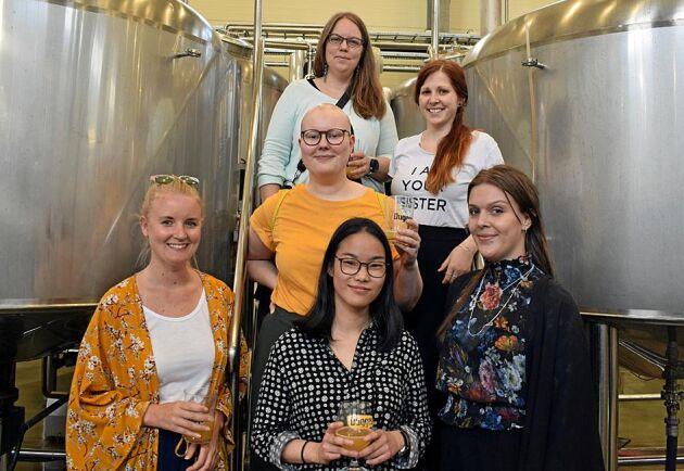 När Ölgäris bryggde sitt första öl hos Dugges tidigare i år var det gott om medlemmar som ville vara med.