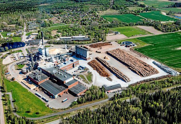 Nordic Paper åtalsanmäls på grund av utsläpp från bruket i Bäckhammar till ett intilliggande vattendrag.