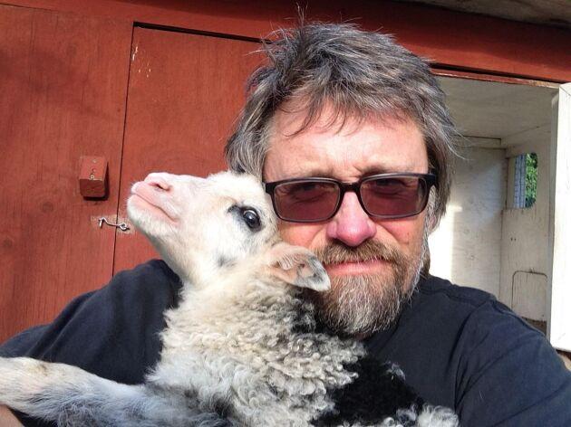 Niklas Bengtsson startade Facebookgruppen Betesmark åt betesdjuren.