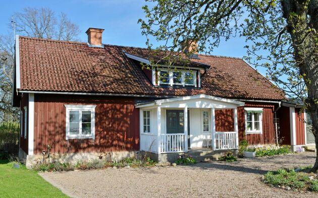 Huset byggdes 1870 och var så slitet att Karin och Ulf fick börja med en helrenovering.