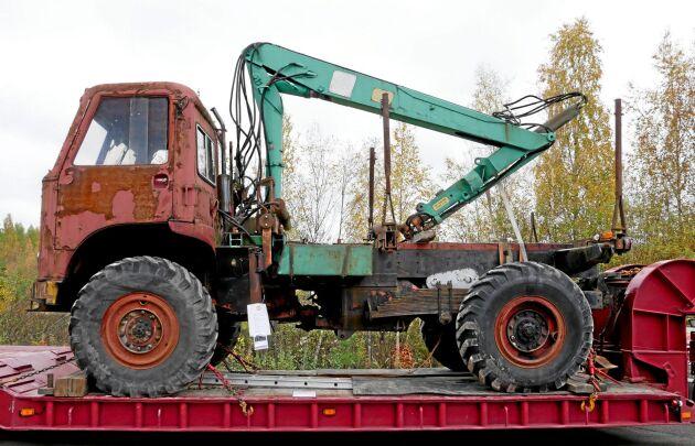 Skotaren Lotta var ett specialbygge till Bergslaget. Den hade både midje- och bilstyrning och hydraulisk trevägstipp på vagnen.
