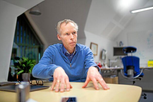 """""""Jag tycker att det är väldigt tråkigt att vi, kanske framför allt inom forskningen, tenderar till att skapa en dikotomi mellan ekologiskt och konventionellt lantbruk"""", säger miljöprofessor Johan Rockström."""