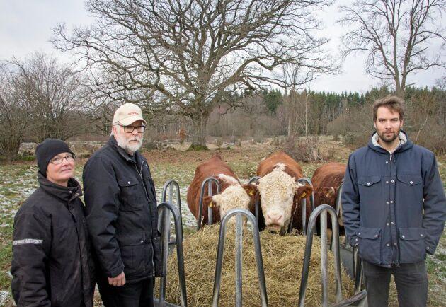 För Jon Owesson, till höger, känns det självklart att fortsätta med hereford-rasen.