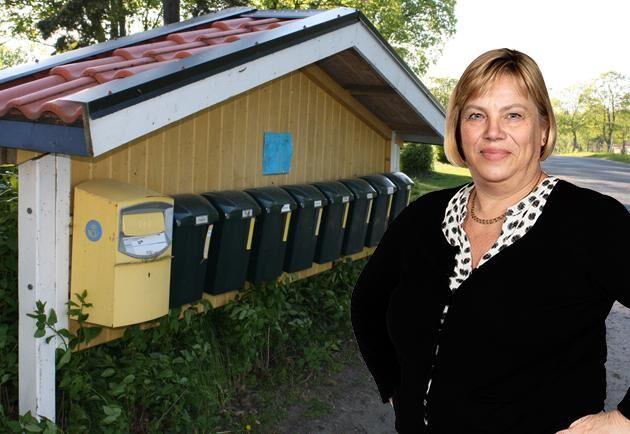 Lena Johansson konstaterar att företagare och privatpersoner i glesbygden drabbas hårdast vid glesare postutdelning.