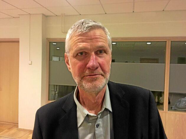 Det hade varit väldigt svårt med ett direktförbud, tycker Lars Andersson, professor på institutionen för växtproduktionsekologi.