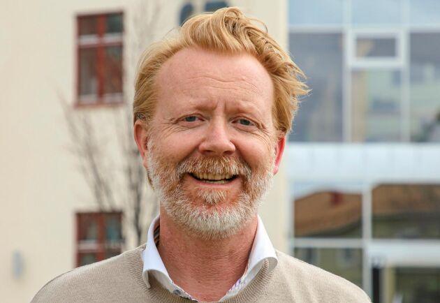 """""""Nu har vi en hållbar lösning för hur vi inte bara kan eliminera utsläppen, utan även tillverka produkter av dem"""", säger Jakob Liedberg."""